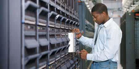 美国服务器的稳定性对优化效果的影响